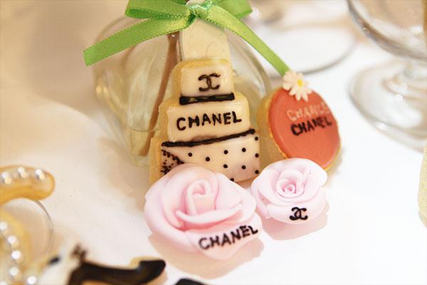 アイシングクッキー バラとケーキ(シャネル)
